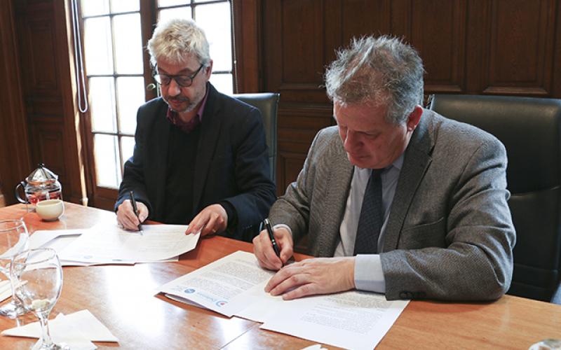 El MPD firma un convenio con la Fundación Proyecto Inocencia