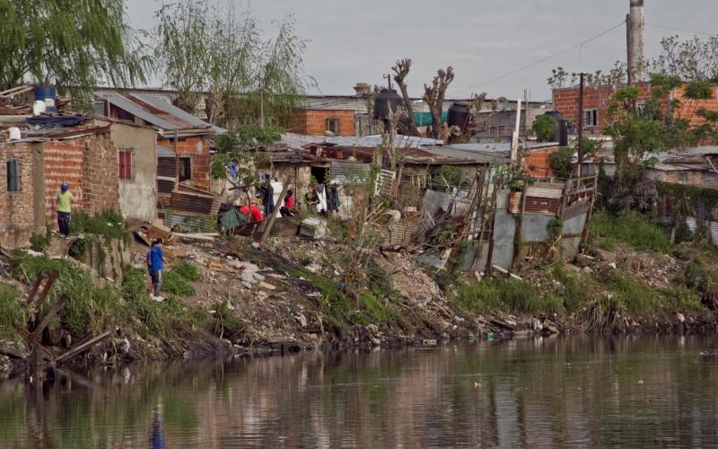 La Justicia solicitó a Nación que asista a las familias relocalizadas del Riachuelo
