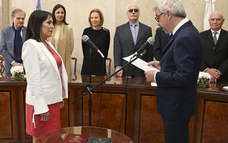 Horacio Corti tomó juramento a nuevos defensores y defensoras