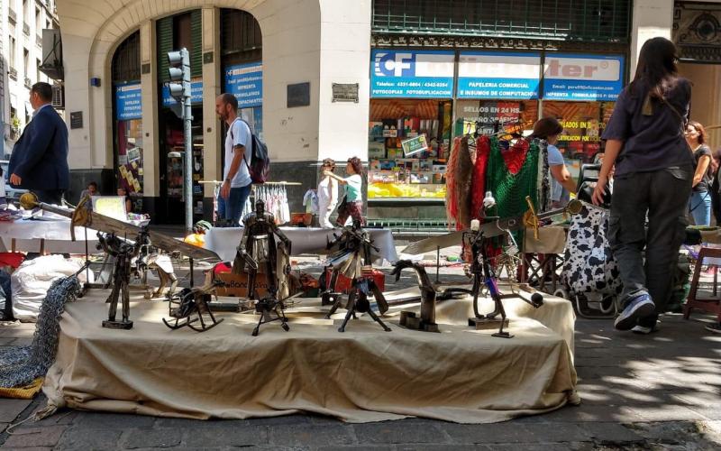 Con el patrocinio del MPD, la justicia ordenó legalizar la feria artesanal de la calle Perú