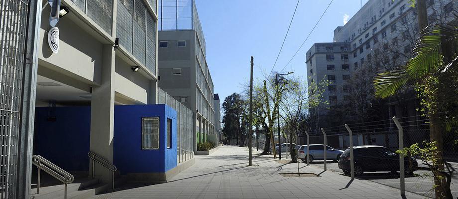 La Defensa Pública solicitó información sobre el bloqueo del acceso a una escuela en Retiro